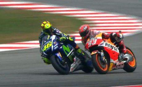 Rossi vs Marquez Sepang 2015