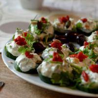 Gurkenhäppchen mit Cranberries