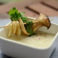 """Die Mädchenküche kocht """"zusammen"""" #6: vegane Kohlrabicreme Suppe mit grünem Pesto"""
