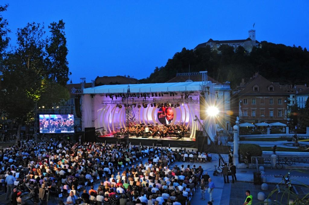 Ljubljana-Congress-Square-concert-©Ljubljana-Tourism-D.-Wedam-1024x680