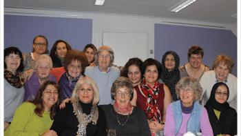 Permalink to: Regnbuecaféen for kvinder, hos Narges