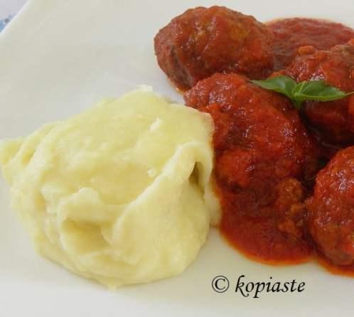 soutzoukakia with mashed potatoes
