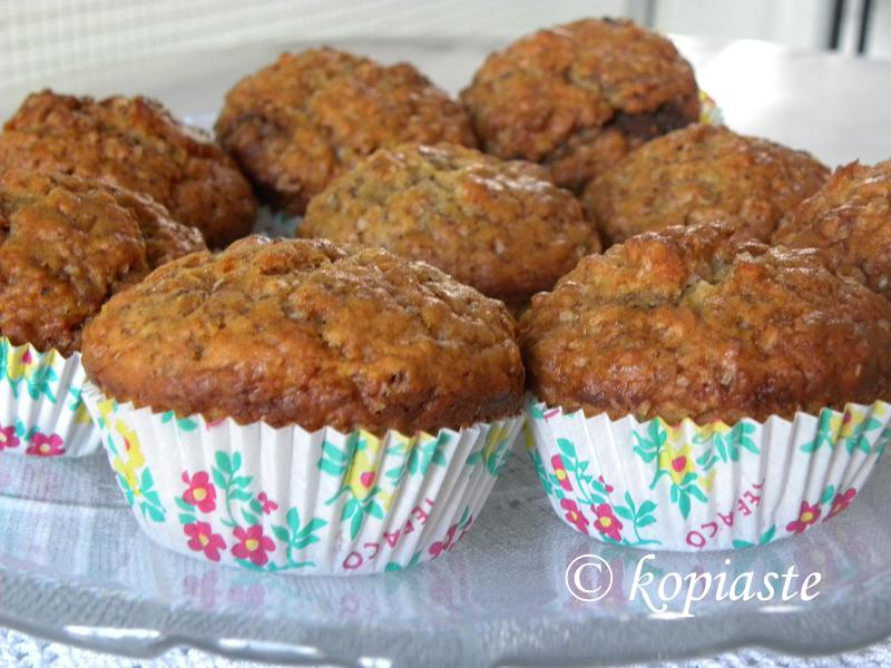 Muffins in platter