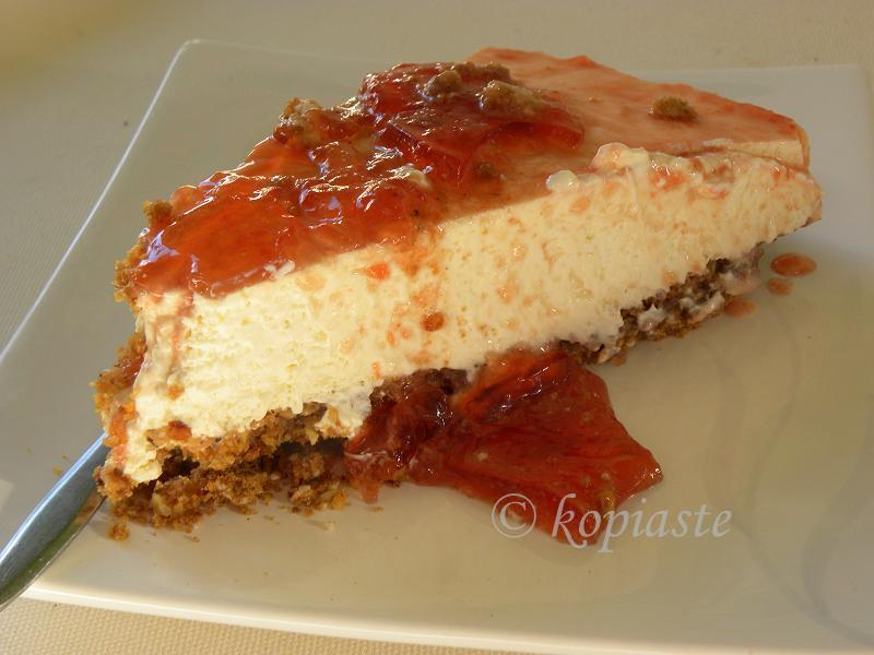 Gingerbread cheesecake with quince