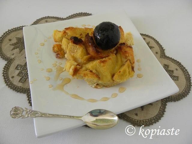 Tsoureki pudding with Karydaki