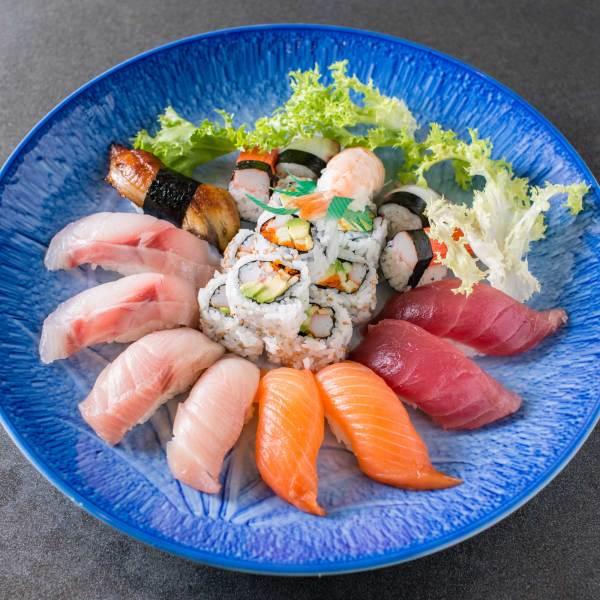 Sushi Deluxe 스시딜럭스