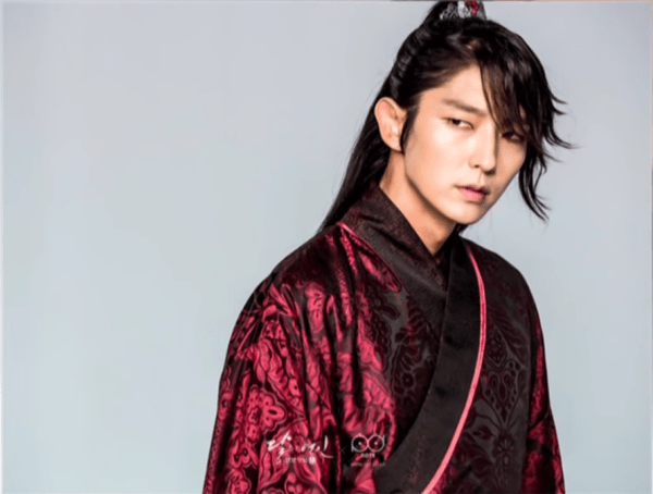 moon-lovers-scarlet-heart-ryeo-star-lee-joon-gi-thanks-fans-for-2-billion-views-reveals-plans-after-the-series