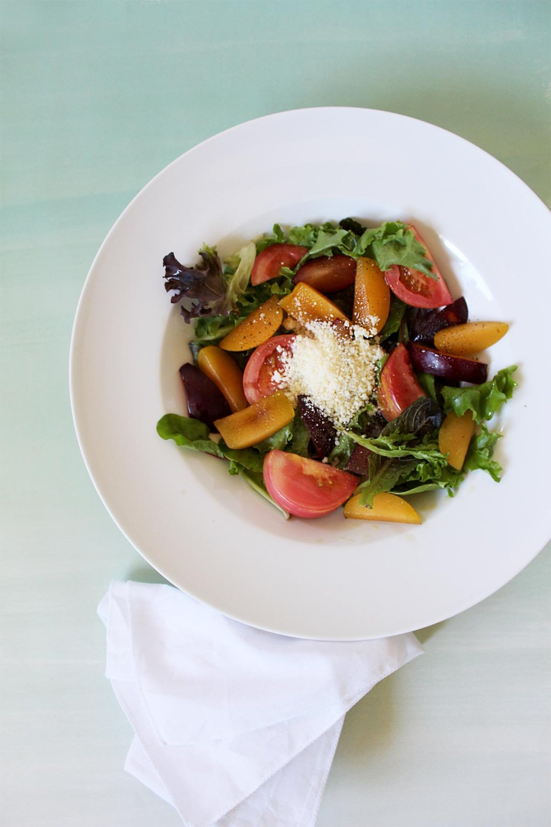 Pluots & Beefsteak Tomatoes Quick Salad by kraft&mint