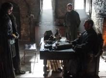 Kit-Harington-as-Jon-Snow-Stephen-Dillane-as-Stannis-Baratheon-and-Liam-Cunningham-as-Davos-Seaworth-_-photo-Helen-Sloan_HBO