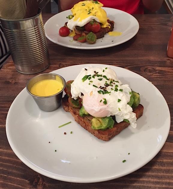 Skinny Benedict - Good Life Eatery, Marylebone