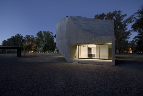 Medium Of The View House