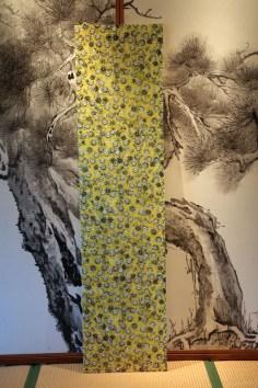 scarf-yellow-diamond
