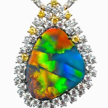 BLACK OPAL BROOCH / PENDANT TR0020 BLACK OPAL 9.560 ct YELLOW DIAMOND 0.242 ct DIAMOND 1.573 ct K18WG, YG