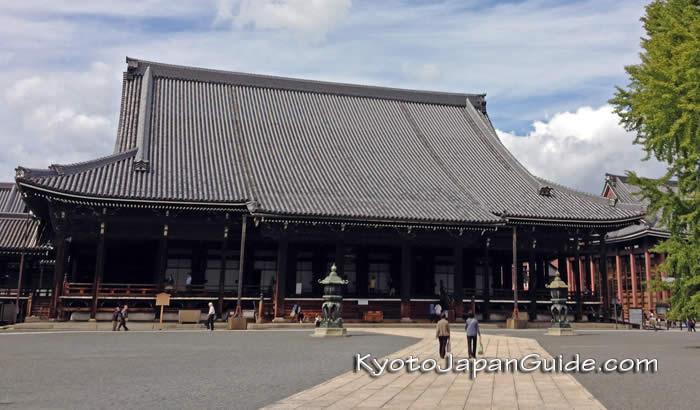 Main hall of Nishi Hongwan-ji