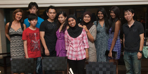 the contest winners with Ciki & myself flanking :D