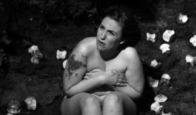 Lena Dunham alasti