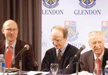Les économistes conférenciers: Tim Besley, Pierre Fortin et George Akerlof