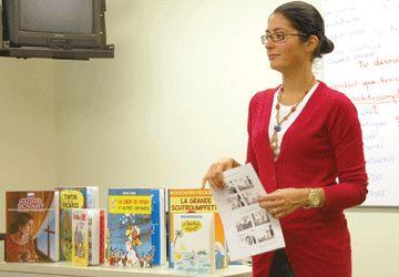 Farsi Nassiri est responsable du cours d'apprentissage du français à partir de la BD, à l'Alliance française de Toronto.