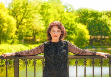 La pianiste Louise Bessette se produira à la Galerie 345 (quartier Dundas West et Roncesvalles) ce samedi 27 avril. Photo: Robert Etcheverry