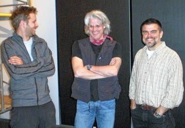 Aurélien Muller, Claude Guilmain et Duncan Appleton au théâtre Glendon. Photo: Nicolas Dot. Photo pour l'affiche: Mikaël Lavogiez.