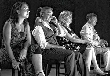 Geneviève Dufour, Bernard Meney, Louise Naubert et Pier Paquette, sur la scène de Glendon. Photo:Mikael Lavogiez