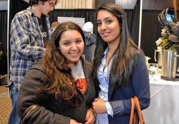 Assia et Fadwa à la recherche d'un stage et d'un emploi