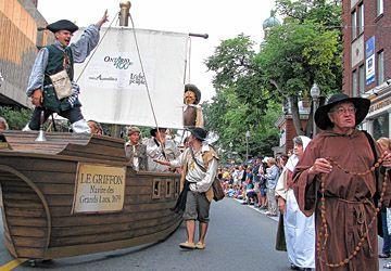 Le Griffon de l'explorateur Cavelier de La Salle, premier bateau à naviguer sur les Grands Lacs, a servi de char allégorique de la francophonie ontarienne aux Fêtes de la Nouvelle-France à Québec la semaine dernière. On commémorera l'an prochain le 400e anniversaire de la présence française en Ontario.