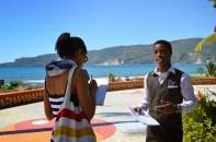 Tanya et le guide à Jacmel (photo Christiane Dumont).jpg
