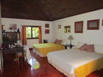 Chambre 2 lits double avec salon Photo Claire Binet.JPG