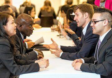 Des rencontres de 10 minutes avec des mentors et des employeurs.