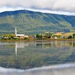 Carleton-sur-Mer, au Québec, sur le bord de la baie des Chaleurs (Photo: Dennis Jarvis, Halifax, DGJ_8640, téléchargée par X-Weinzar CC Y-SA 2.0)