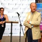John Ralston Saul devant les jeunes ambassadeurs du Français pour l'avenir (avec la directrice générale Pier-Nadeige Jutras) le 24 août à UofT.