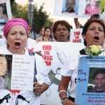Des mères à la recherche de leurs enfants disparus au Mexique dans Portraits of a Search.