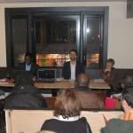 Carline Zamar (à g) et Gabriel Osson (à d.) lors de l'assemblée générale de l'ACFO Toronto le 25 novembre au 2e étage du nouveau bar-restaurant Coq of the walk (les mêmes proprios français que Snakes & Lattes en face, dans le quartier College et Bathurst).