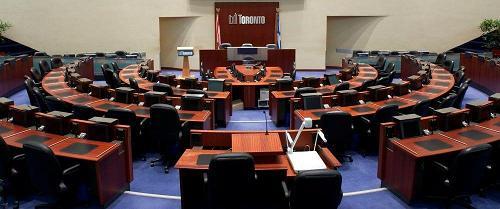 La salle du Conseil municipal de Toronto.