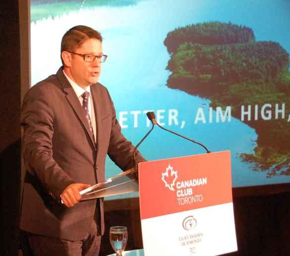 Éric Martel, pdg d'Hydro-Québec, à la tribune conjointe des Canadian Club et Club canadien de Toronto le 15 février.