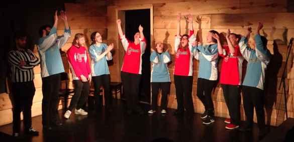 Les Improbables sur la scène du Bad Dog Theatre la semaine dernière.