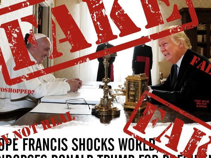Contrairement à une nouvelle qui a circulé dans les médias sociaux l'an dernier, le pape n'a pas appuyé officiellement la candidature de Donald Trump.