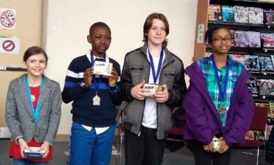 Olivia Bechett, Junior Nyabeyeu Tchoukeu, Misha Vassiouchkine et Dounia Said Bakar.