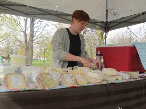 Julia Stephen vend le fromage de Montforte Diary tous les mardis de 15h à 19h.