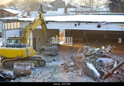 Demolition Work Stock Photos & Demolition Work Stock Images - Alamy