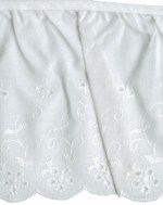 4 5/8'' White Eyelet Gathered Lace4 5/8'' White Eyelet Gathered Lace