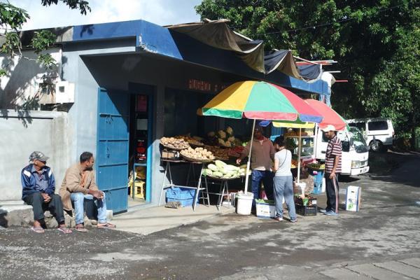 Puestos de fruta callejeros