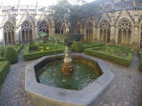 claustro-de-la-catedral-de-utrecht