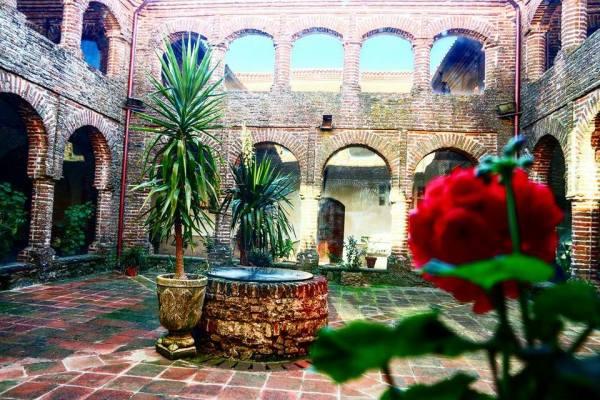 Claustro, monasterio de Tentudía