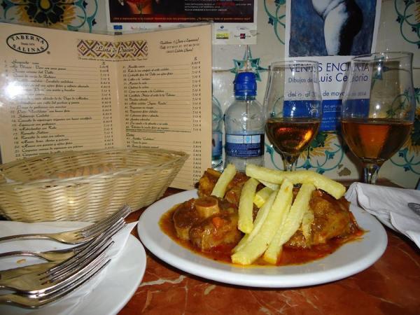 Rabo de toro. Taberna Salinas. Los mejores bares de Córdoba
