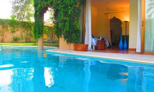 15 - Pool & Master bedroom