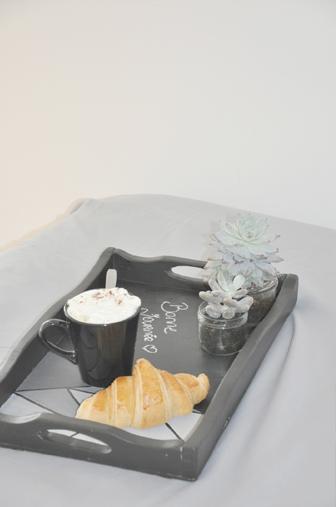 un joli plateau personnalis la d licate parenth se diy d co et inspiration d co. Black Bedroom Furniture Sets. Home Design Ideas