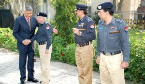 Khan Baig is receiving new IG Aftab Sultan