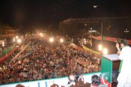 Imran Khan lashes Sharif government over Panama Leaks,demands resign